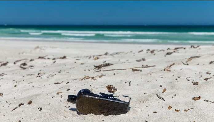 Message in bottle found on Western Australia beach